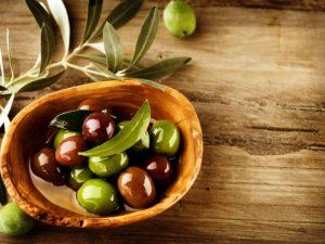 Оливы в посуде